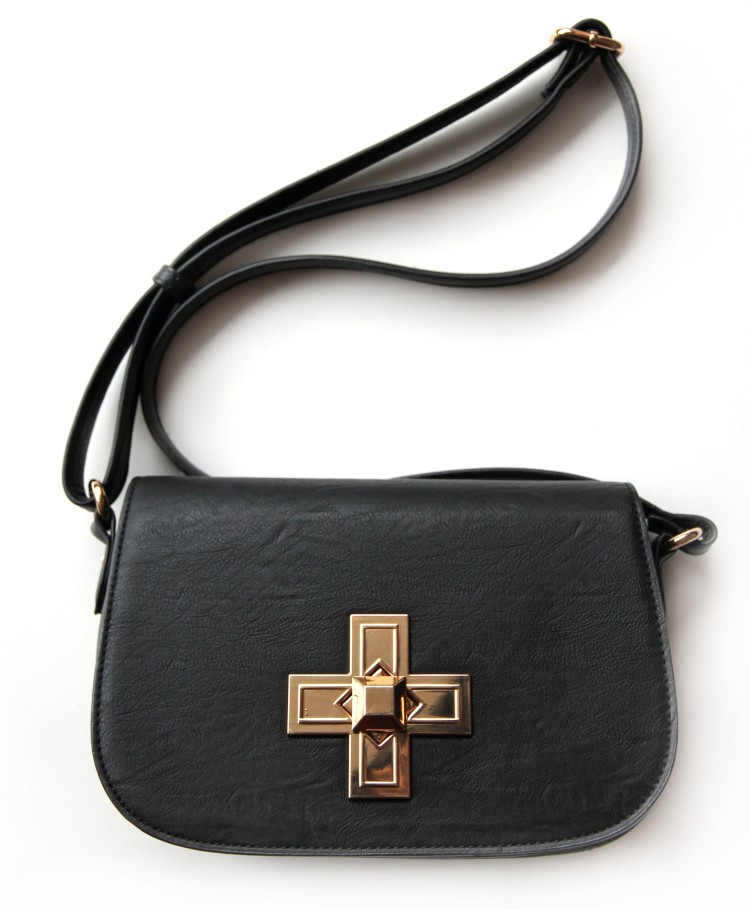 aldo_bag_gold_cross_the_coup