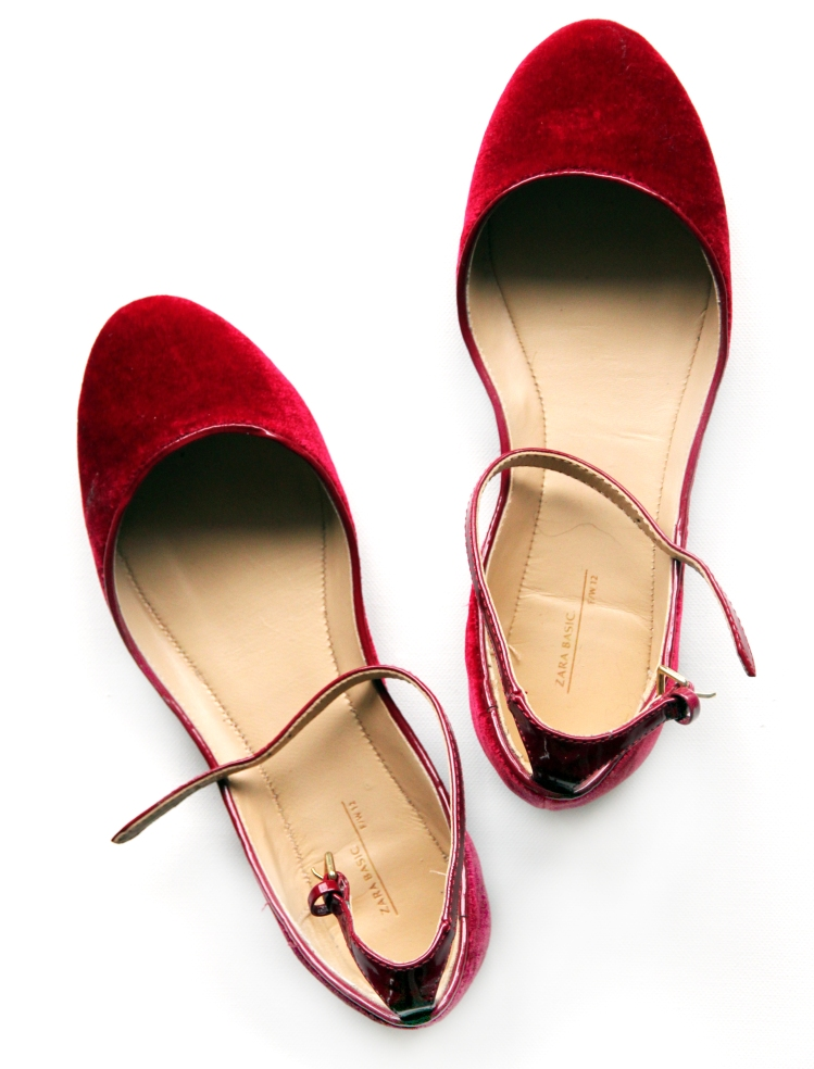 zara-slippers-flats-red-velvet