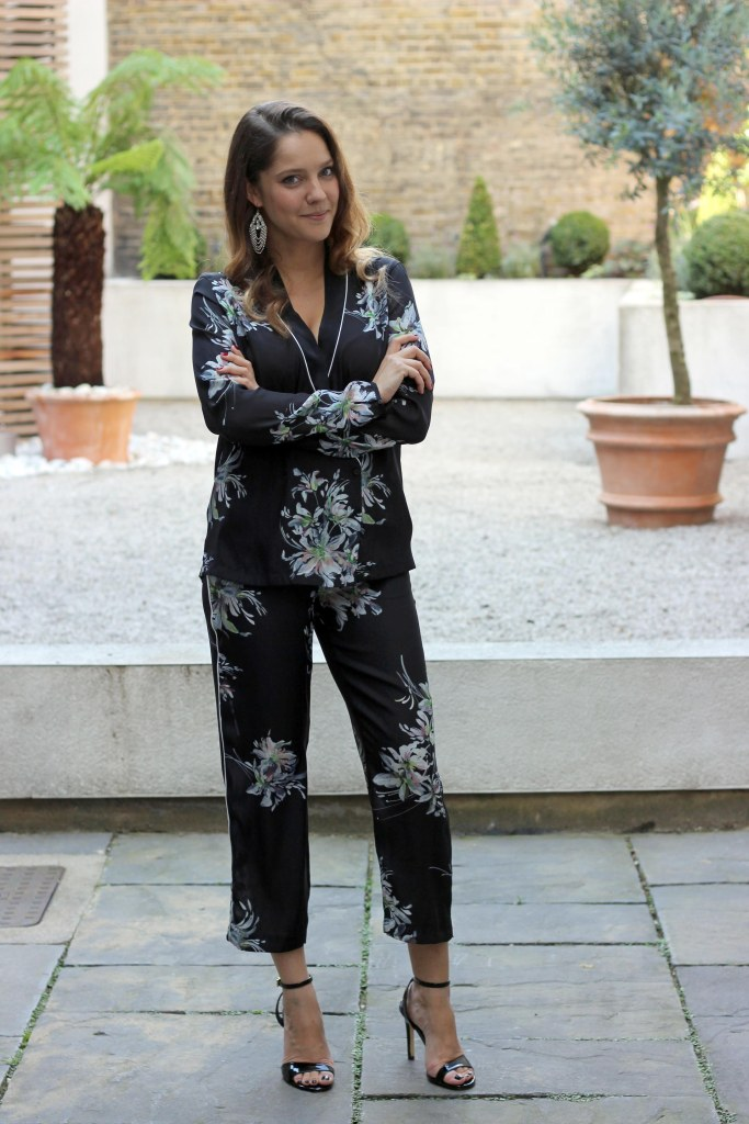 2_coup_zara_pajama_suit_floral_outfit.jpg