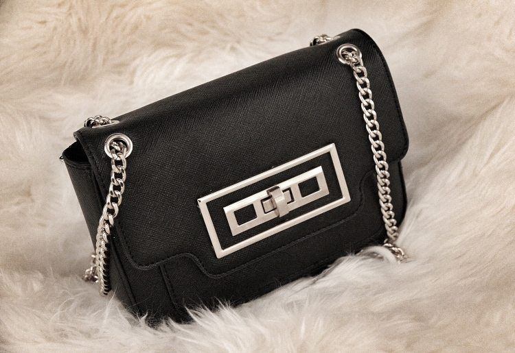 the_coup_river_island_mini_chain_bag