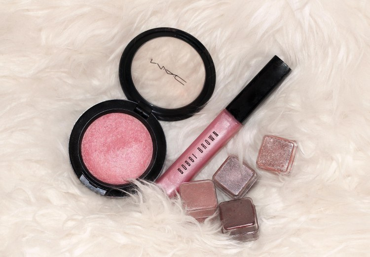 the_coup_make_up_essentials_pink
