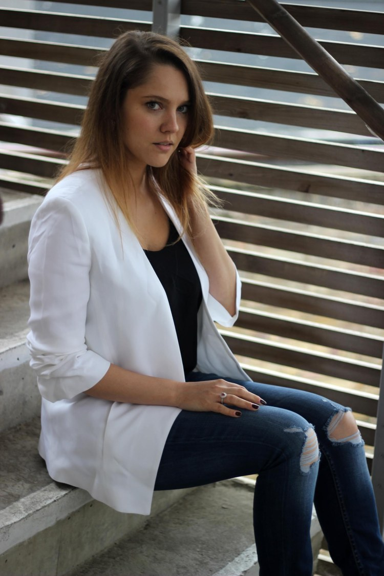 zara_white_blazer_the_coup