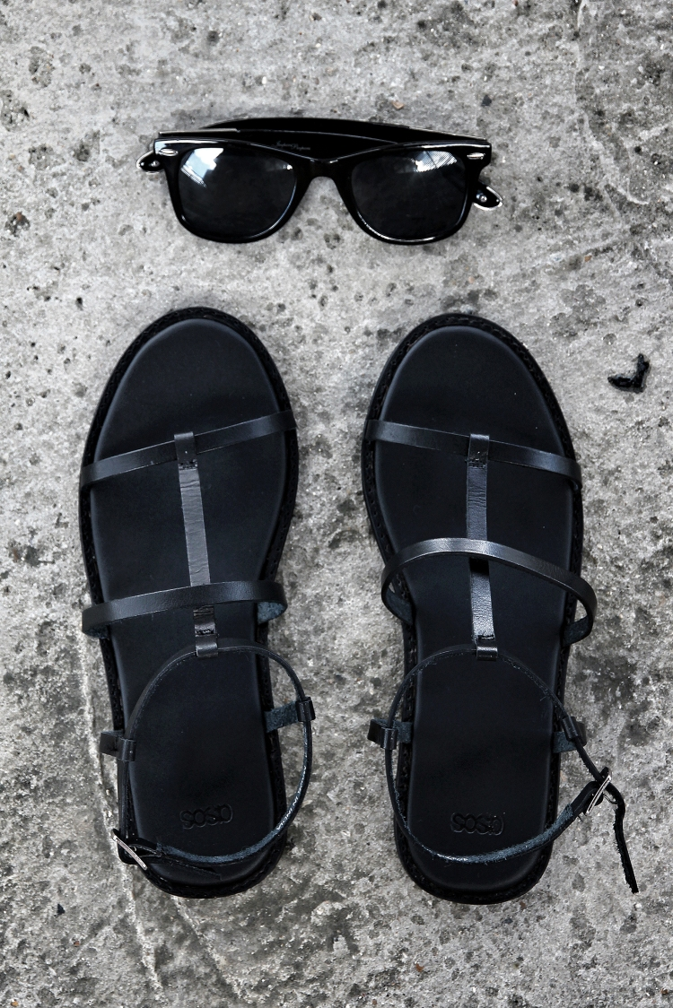asos_sandals_the_coup_black_jeepers_peepers