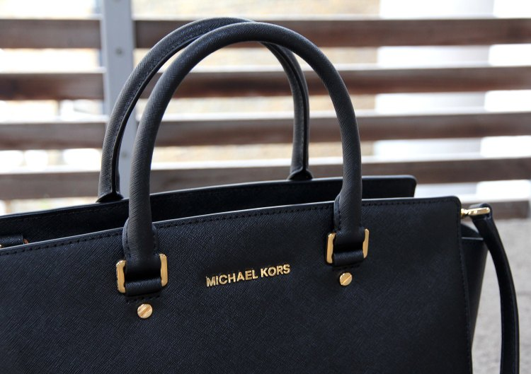 michael-kors-selma-bag-the-coup-1