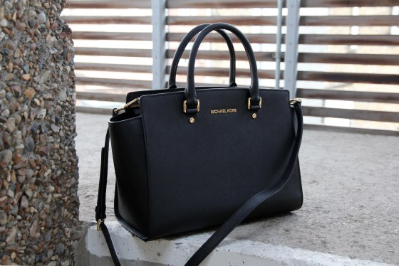 michael-kors-selma-bag-the-coup