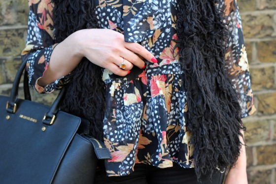 topshop_feather_blouse_outfit